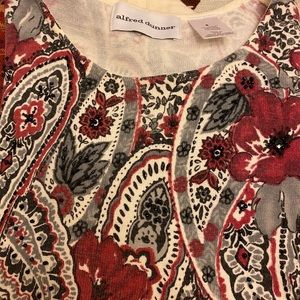 Alfred Dunner Size Small long sleeve tee